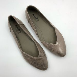Coach and Four Metallic Flats Sz 8 Gold Point Toe